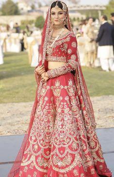 Bride on her shendi wearing ali xeeshan Indian Bridal Outfits, Indian Bridal Wear, Indian Dresses, Wedding Lehanga, Dress Wedding, Bridal Dresses, Red Lehenga, Bridal Lehenga, Beautiful Gowns