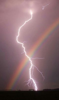 Nature doin it's own thing. This is also on my lightning board. Rainbows and lightning in one pic, had to go on both boards. Iphone Backgrounds Nature, Iphone Background Wallpaper, Galaxy Wallpaper, Wallpaper Desktop, Iphone Wallpapers, Aztec Wallpaper, Animal Wallpaper, Pink Wallpaper, Rainbow Wallpaper