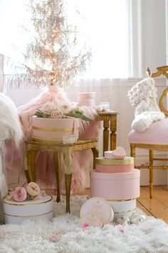 Fancy french country living room decor ideas - HomeSpecially Pink has never been as popular as French Country Christmas, Rustic French Country, French Country Kitchens, Country Christmas Decorations, French Country Bedrooms, French Country Living Room, Shabby Chic Christmas, French Cottage, Pink Christmas