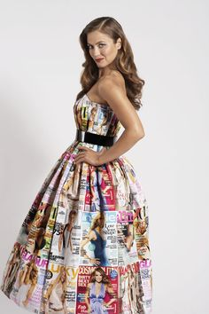 dress from gossip and high class magazines? Dress Card, Diy Dress, Dress Up, Recycled Dress, Recycled Clothing, Recycled Cans, Paper Clothes, Newspaper Dress, Modelista