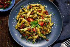 Penne s kuracím mäsom a cuketou Pasta Al Pesto, Pasta Salad, Milanesa, Chimichurri, How To Cook Sausage, How To Cook Pasta, Sausage Pasta, Pesto Recipe, Pasta Noodles