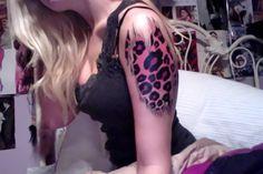 tatuagem no braço, segunda pele de onça