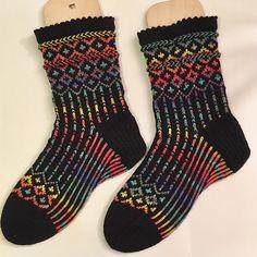 Challenge: Mystery Sock (MOCK) Pattern: Winterfell Socks Project: Socken 2016-48 Winterfell Socks Cast on: 2nd Nov. 2016 Bind off: 22nd Nov. 2016 Yarn: OPAL Uni, black (MC) and OPAL Schafpate, Blic...