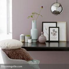 Jeder hat so eine blasse, triste Ecke.... mit etwas Farbe an der Wand, ein paar schön dekorierte Vasen und Teelichthalter, einem netten Bild und kuscheligen…