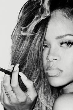 I love how shes a lady and a thug at the same time...ilove her