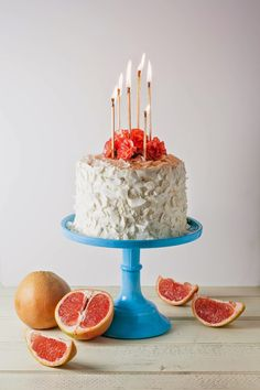Grapefruit and Coconut Cream Cheese Cake | Tasse d'Amour: - i just like how this cake was decorated.