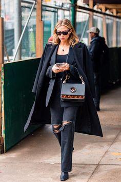 NYFW Street Style - PFW - Paris Fashion Week - street style fashion - karya schanilec photography - spring studios - industria - new york fashion week - new york fashion week street style Street Style 2018, New York Fashion Week Street Style, Nyfw Street Style, Autumn Street Style, Cool Street Fashion, Street Style Women, Style Fashion, Fall Fashion, Fashion Week Paris