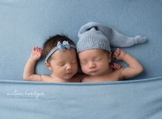 Twin Babies Pictures, Newborn Twin Photos, Newborn Twins, Newborn Pictures, Newborn Session, Newborns, Twin Girls Photography, Newborn Baby Photography, Twin Baby Boys