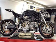 Ducati 999 em transformação