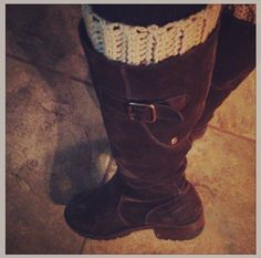 Free crochet boot cuffs pattern....Easy! Im going to start making them and taking orders :)