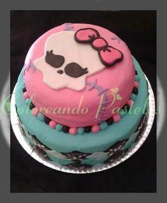 Riquísima torta de Monster High! Búscanos en face!