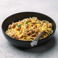 Bratwurst Pasta Recipe, Bratwurst Sausage, Sausage Pasta Recipes, British Bangers Recipe, Entree Recipes, Cooking Recipes, Dinner Recipes, Recipes With Parmesan Cheese, Bratwurst Recipes