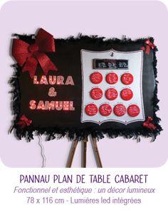 PANNEAU PLAN DE TABLE EN CARTON pour mariage thème Cabaret © CARTONS DUDULLE