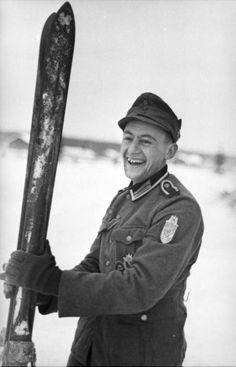 Bundesarchiv Bild 101I-099-0735-15, Nordeuropa, Gebirgsjäger mit Narvikschild und Ski - Slaget om Narvik – Wikipedia