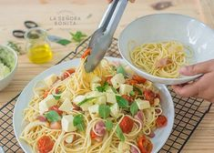 Pasta con vegetales asados y pancetta Mozzarella, Spaghetti, Healthy Recipes, Healthy Food, Cooking, Ethnic Recipes, Vestidos, Healthy Pastas, Vegetarian Spaghetti