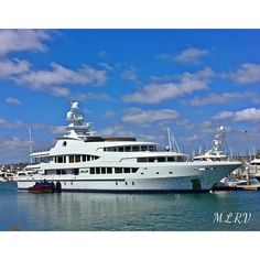 This amazing luxury motor yacht is called Lady Lola she was built in 2002 by Dutch shipyard Oceanco and measures an astounding 205'4 ft now that's one serious superyacht. I love all the amazing ships yachts and boats that come through Shelter Island/San Diego Bay but this one is by far my favNina  #shelterisland #yachtcharter #ladylola #boats #ships #amazing #sandiegobay #blue #love #waterfront #beautiful #crew #deckhands #yachtporn #luxuryyacht #iphoneonly #custom #iphonesia #design…