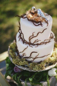 Forest wedding cake - so lovely #wedding #weddingcake #cake #woodland #forestwedding