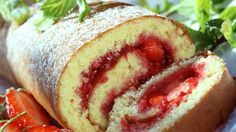 Rullekake - swiss roll with strawberry jam