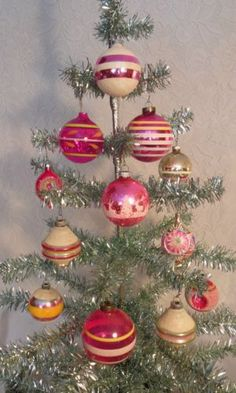 use a fake feather tree for display. FABULOUS ANTIQUE GLASS XMAS ORNAMENTS VTG SHINY BRITE STENCIL WWII STRIPES PINK