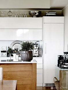 INTERIOR…HOTELLI HIMA » Krista Keltanen Blog Entryway Bench, Tila, Cabinet, Elegant, Storage, Design Interior, Kitchen, Furniture, Home Decor