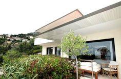 Beautiful villa in Eze in a gated community   Ref: RFC14190214VV  http://www.rfc-estates.com/объекты-продажа-вилла-эз-1322-ru.html  Price 4,770,000 euros  Villa S = 250 m2  Plot S = 2000 m2  Bedrooms - 4