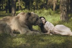 Dreamy Portraits of Women Living in Harmony with Wild Animals - My Modern Met