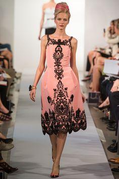 Oscar de la Renta Spring 2013 Ready-to-Wear Fashion Show - Daria Strokous
