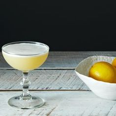 Cocktails: whiskey sour