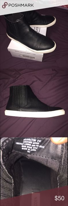 Steve Madden High Top Sneakers Cute and comfy leather high top sneakers! Only worn twice, and in perfect condition. Feel free to make offers!! Steve Madden Shoes Sneakers