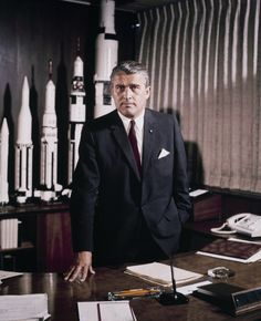 """During World War II, German rocket pioneer and future NASA scientist Wernher von Braun accepted an """"honorary"""" rank in the SS, the notorious paramilitary wing of the Nazi party. Apollo 11, John Von Neumann, Nikola Tesla, Station Orbitale, Space Race, Space Program, Wtf Fun Facts, Space Exploration, Les Oeuvres"""