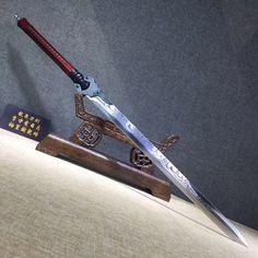 Ninja Weapons, Anime Weapons, Fantasy Sword, Fantasy Weapons, Swords And Daggers, Knives And Swords, Arsenal, Warrior Concept Art, Cool Swords