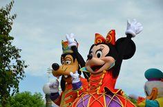 Erlebe die Magie von Disneyland® Paris   Urlaubsheld.de