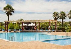 Refréscate en nuestra piscina de #Badajoz en los días calurosos de verano. ¡Te está esperando!