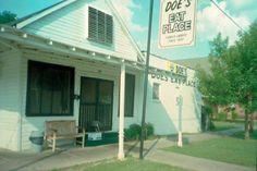 Doe's Eat Place in Greenville, MS
