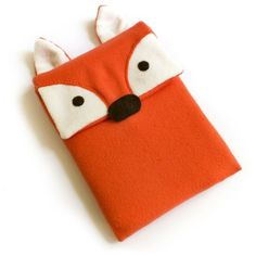Free FOXY iPad/Kindle cover sewing pattern and tutorial. Sewing Projects For Kids, Sewing For Kids, Diy For Kids, Diy Projects, Diy Computer Case, Laptop Case, Sewing Hacks, Sewing Crafts, Sewing Ideas