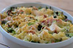Siri Fossing - Her får du i all hovedsak gode, enkle og ujålete oppskrifter som funker i en travel hverdag. Jeg støvsuger nettet og kokebøker for den perfekte hverdagsmiddagen som tar 30-45 minutter - og deler resultatene med deg. I Love Food, Good Food, Pasta Salad, Potato Salad, Macaroni And Cheese, Nom Nom, Food And Drink, Dinner, Cooking