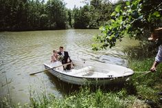 Times New Roman, Boat, Outdoor Decor, Water Pond, Dinghy, Boats, Ship