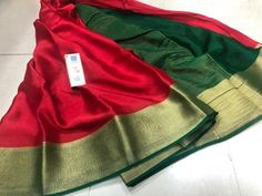 Simple and elegant Mysore Silk Crepe Sarees from Fashion Vibes. Beautiful and unique contrast colors. Get ready for any festival with this traditional saree. This saree comes with pallu n borders with blouse. Crepe Silk Sarees, Organza Saree, Silk Crepe, Mysore Silk Saree, Indian Silk Sarees, Saree Wearing, Saree Blouse Patterns, Kanchipuram Saree, Elegant Saree