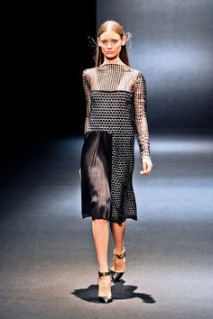 Sharon Wauchob at Paris Fashion Week Fall 2012 - Runway Photos