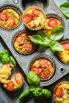 Egg-muffins til matpakken - Ida Gran Jansen Vegetarian Cooking, Vegetarian Recipes, Healthy Recipes, Egg Muffins, Antipasto, Avocado, Healthy Living, Food And Drink, Veggies