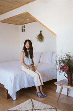 The Observer: Photographer and Artist Jeana Sohn  | The founder of Closet Visit and photographer Jeana Sohn opens up her Silver Lake Hills home to The Dreslyn team and tells us about her style progressing with age and her inspirations for the way she captures the style-oriented women inhabiting Los Angeles.