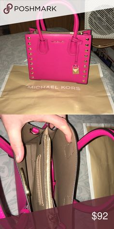 f4027f211e32 Shop Women s Michael Kors size OS Crossbody Bags at a discounted price at  Poshmark. Description  authentic michael kors mercer PRICE IS FIRM NO  OFFERS.