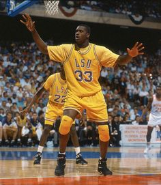 Vintage Shaq Diesel in his college years.. What a monster.