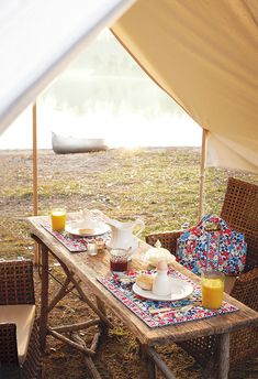 Glamping verb \'gl-amping\  1 : To make or occupy camp adorned with gorgeous decorative elements not typically found outside.  2 : To glamp; to temporarily lodge in an over-the-top, gorgeous set up.