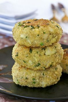 These tasty Quinoa Chives Fish Cakes are made with cod and garlicky Chinese chives. They are wonderful as an appetizer, snack, or light meal. | Roti n Rice