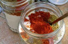 Эта удивительная приправа к блюдам придает незабываемый вкус пище и улучшает здоровье.    Ингредиенты: + соль поваренная - 1 кг, + чеснок - 1 головка или больше, можно и две головки, + по одной чайной ложке специй сухих молотых: хмели-сунели, укроп, петрушка, перец чёрный, + две чайных ложки New Recipes, Cooking Recipes, Spice Mixes, Stuffed Hot Peppers, Saveur, Kraut, Food Truck, Bon Appetit, Spices