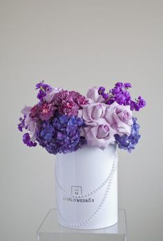 Be it welcoming your customers or thanking them for business, a bouquet of flowers never fails to make an impression. LuxFlowerBox brings you a wonderful service in corporate flower delivery Toronto service to make your clients happy in all occasions. We offer our professional flower delivery Toronto services at unbeatable prices.