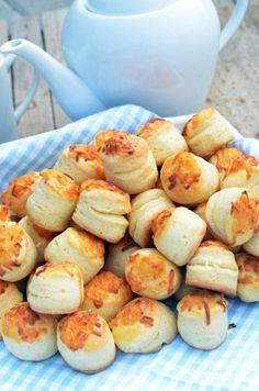 bögrés sajtos pogácsa Savory Pastry, Good Food, Yummy Food, Salty Snacks, Hungarian Recipes, Bread And Pastries, Super Healthy Recipes, Winter Food, Creative Food