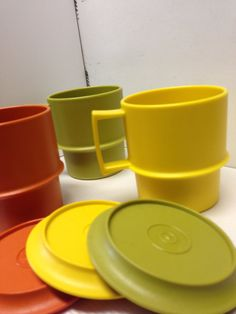3 1970s Tupperware Cups with Lids by SylviasFinds on Etsy, $6.00