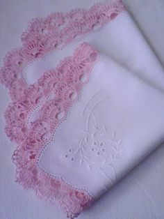 >>>Nr 5 .>>> The handkerhief with crocheted lace made in the final petal decorated embrioidery. Lace colour pink. Price 80 PLN + shipping >>> TA